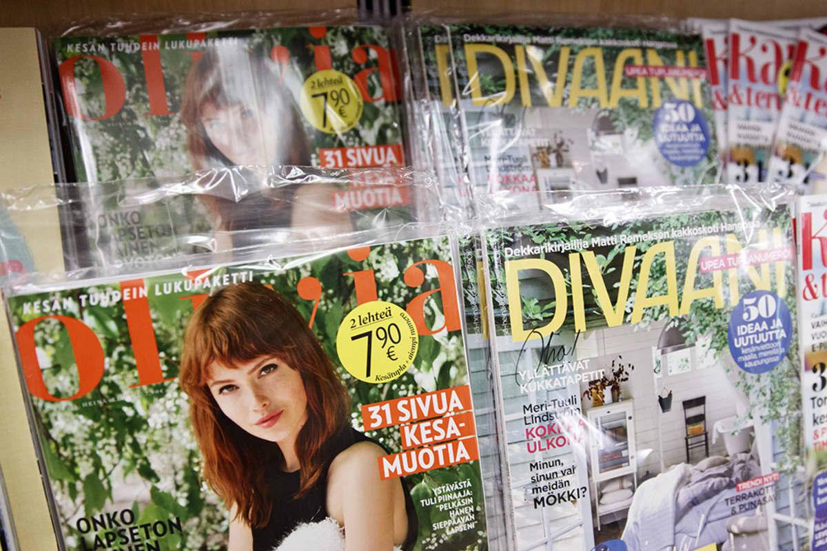Olivia- ja Divaani-lehtiä Stockmannin lehtiosastolla.