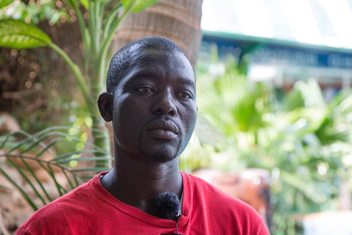 Noufou Ouedraogo perusti järjestön auttaakseen nuoria, jotka haluavat muuttaa Eurooppaan.