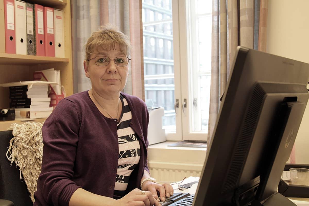 Tiina Erkkilä toivoo pääsevänsä hyvään tiimiin Helsingin yliopiston uudessa organisaatiossa.