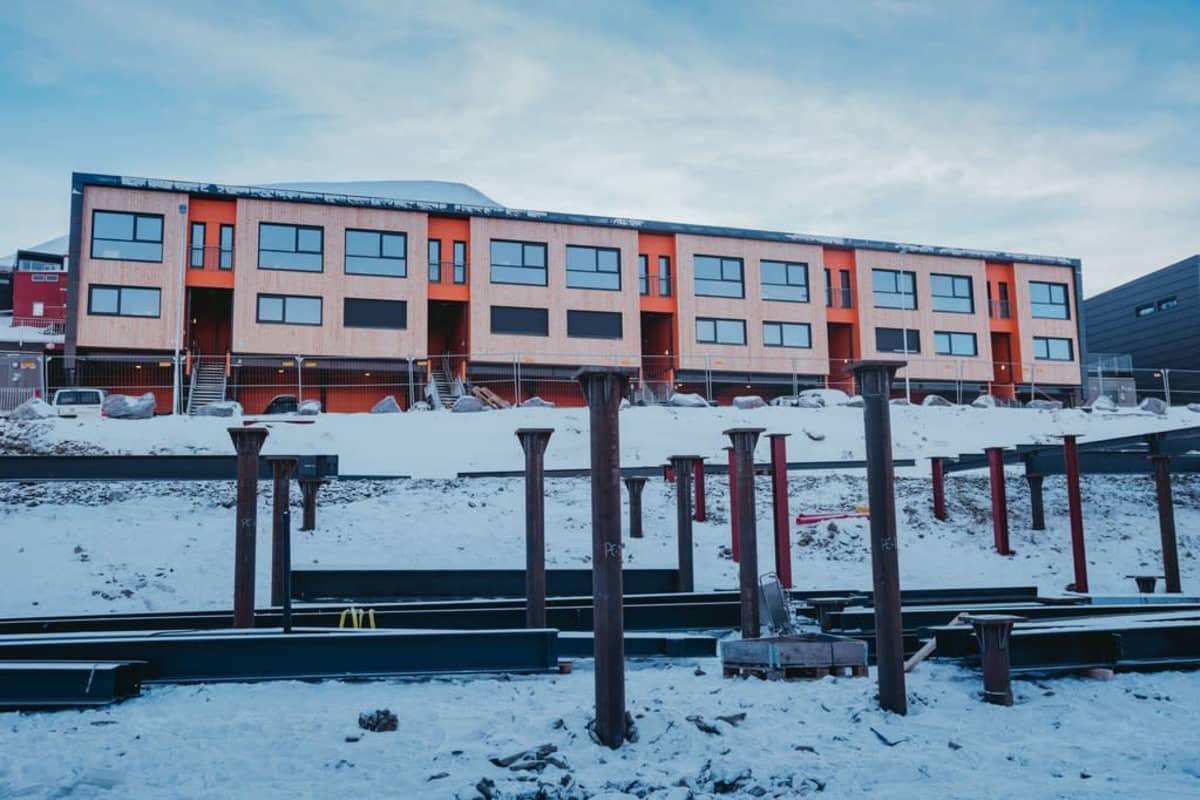 Uudet talot Longyearbyenissä
