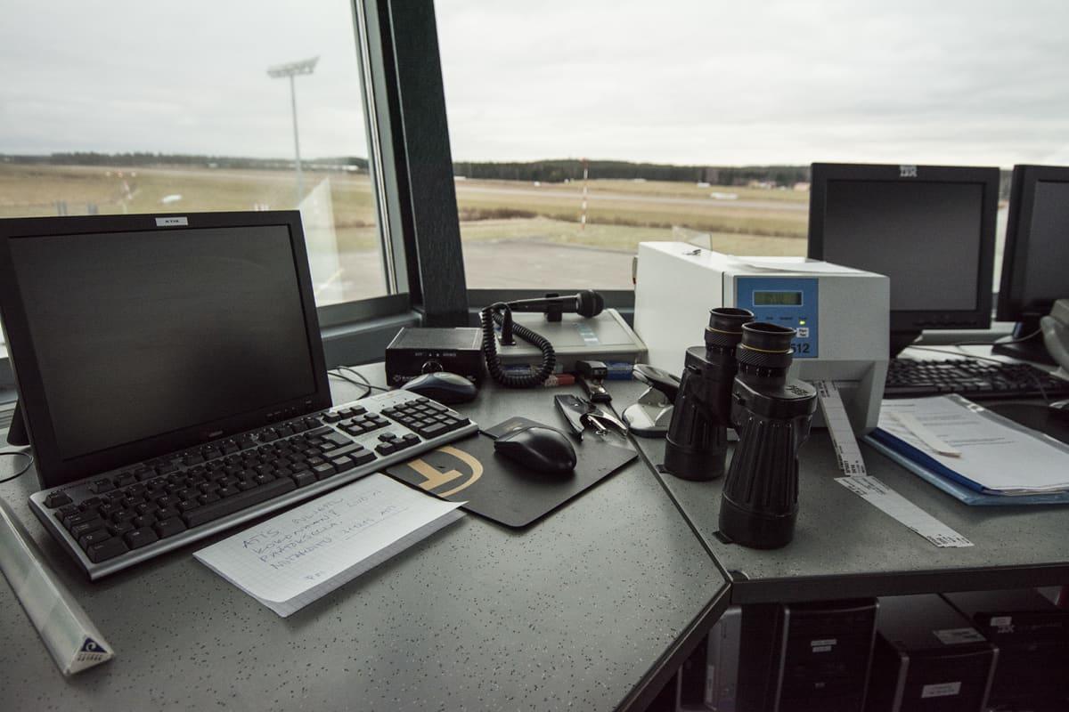 Näkymä Varkauden lentoasemalta ulos.