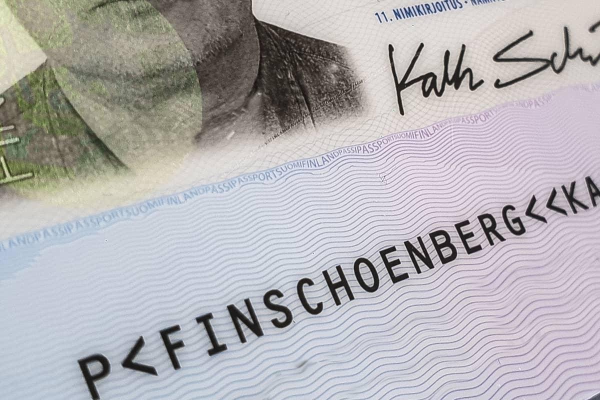 Suomalaisen passin sivu.
