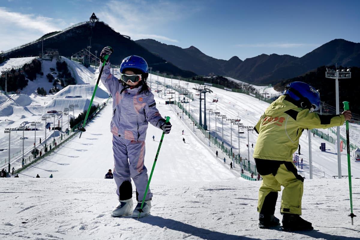 Kiinalaislapsia kannustetaan laskettelemaan