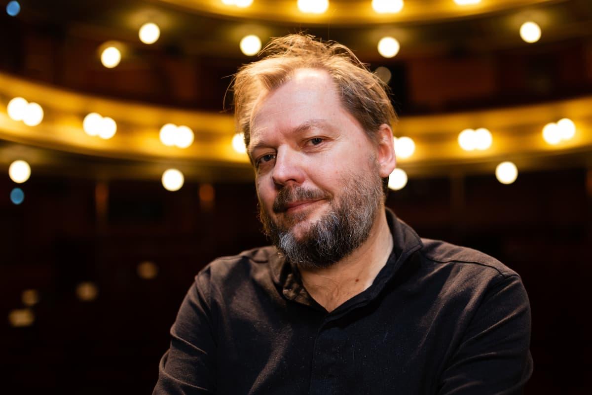 Yhdestoista hetki näytelmän käsikirjoittaja Sami Keski-Vähälä