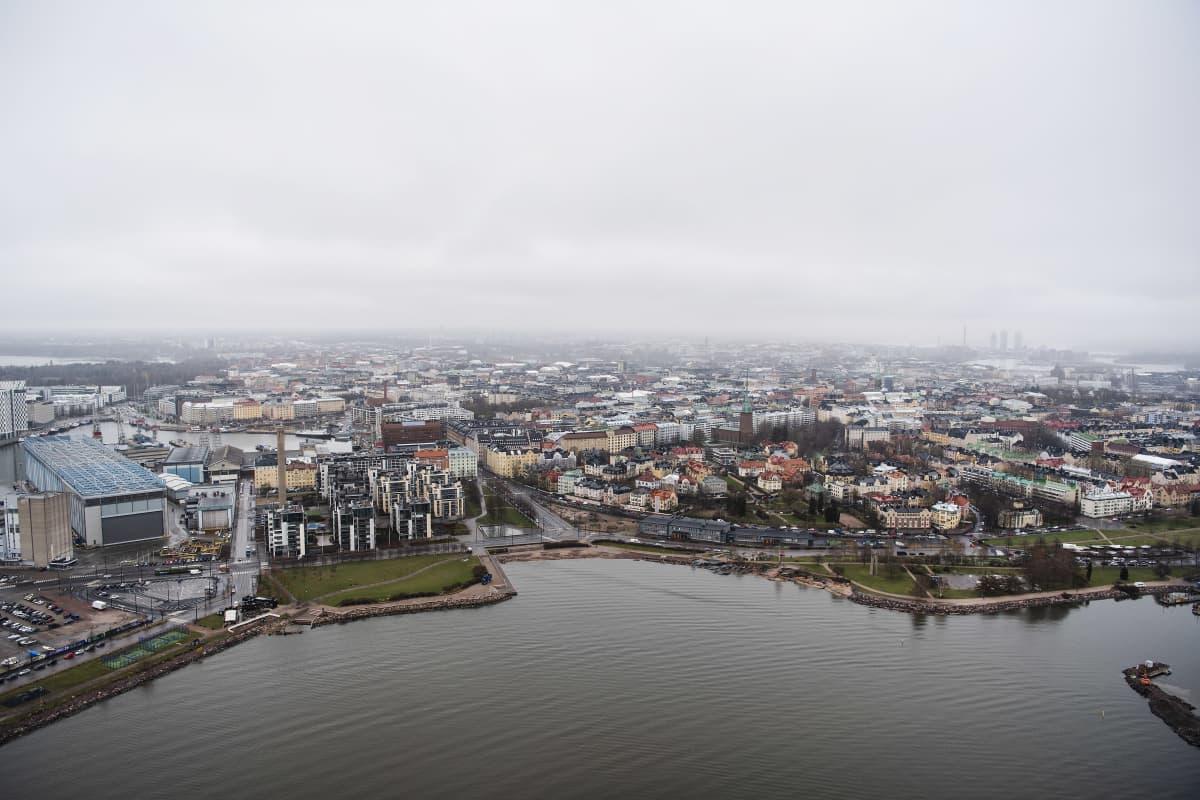 Ilmakuvassa on Helsingin Eira toukokuussa 2021.