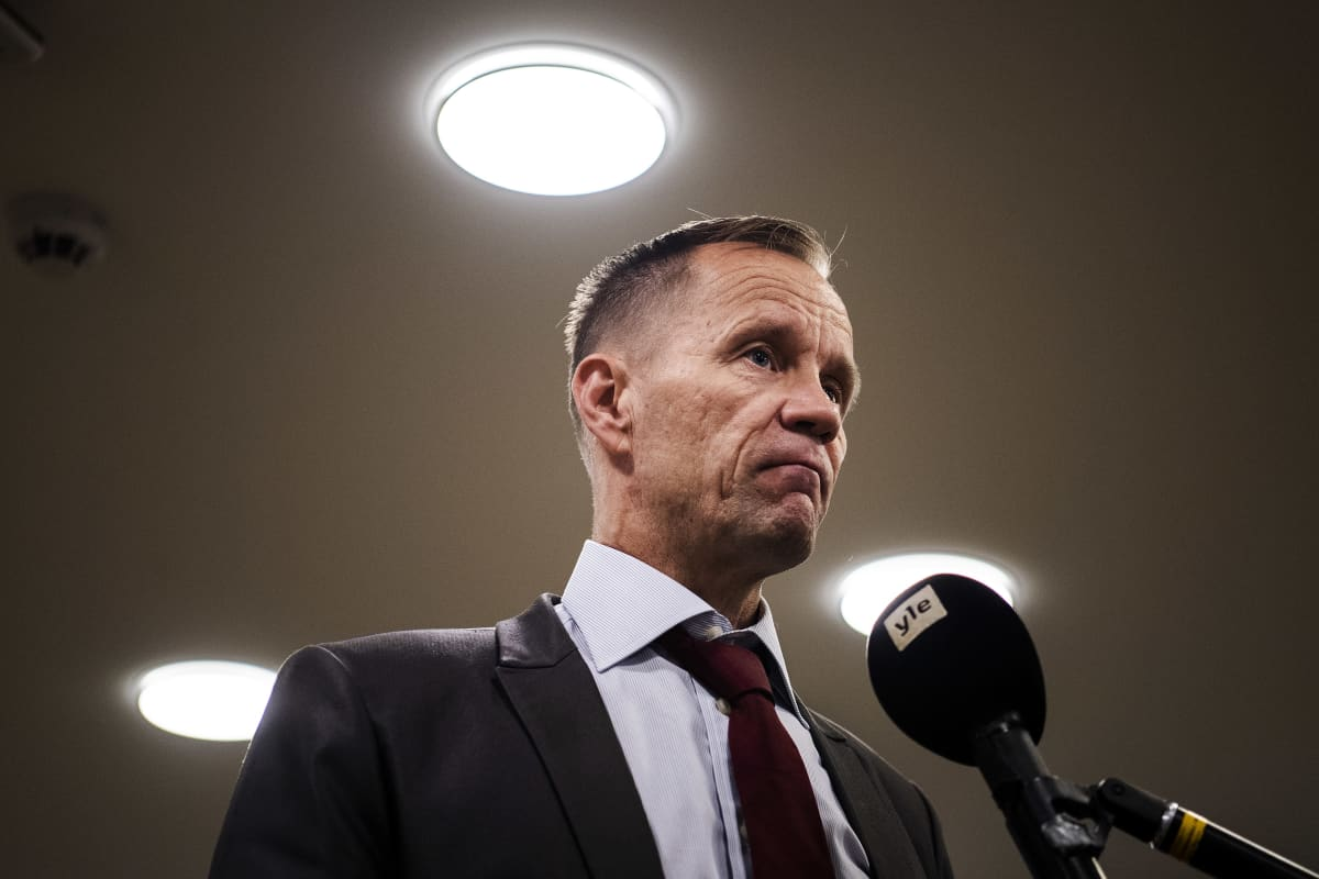 Ulkoasiainvaliokunnan puheenjohtaja Mika Niikko eduskunnassa elokuussa.