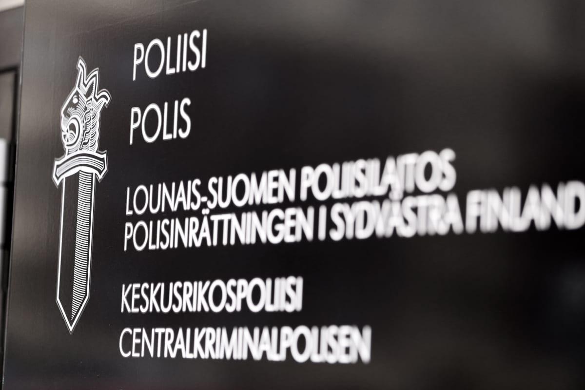 Lounais-Suomen poliisilaitoksen kyltti.