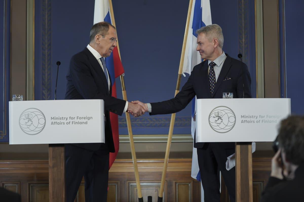 Venäjän ulkoministeri Sergei Lavrov ja Pekka Haavisto , Säätytalolla Helsingissä