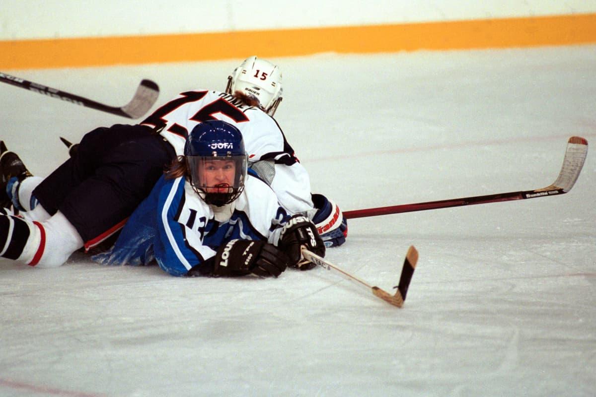 Riikka Sallinen (tuolloin Nieminen) Naganon olympialaisissa.