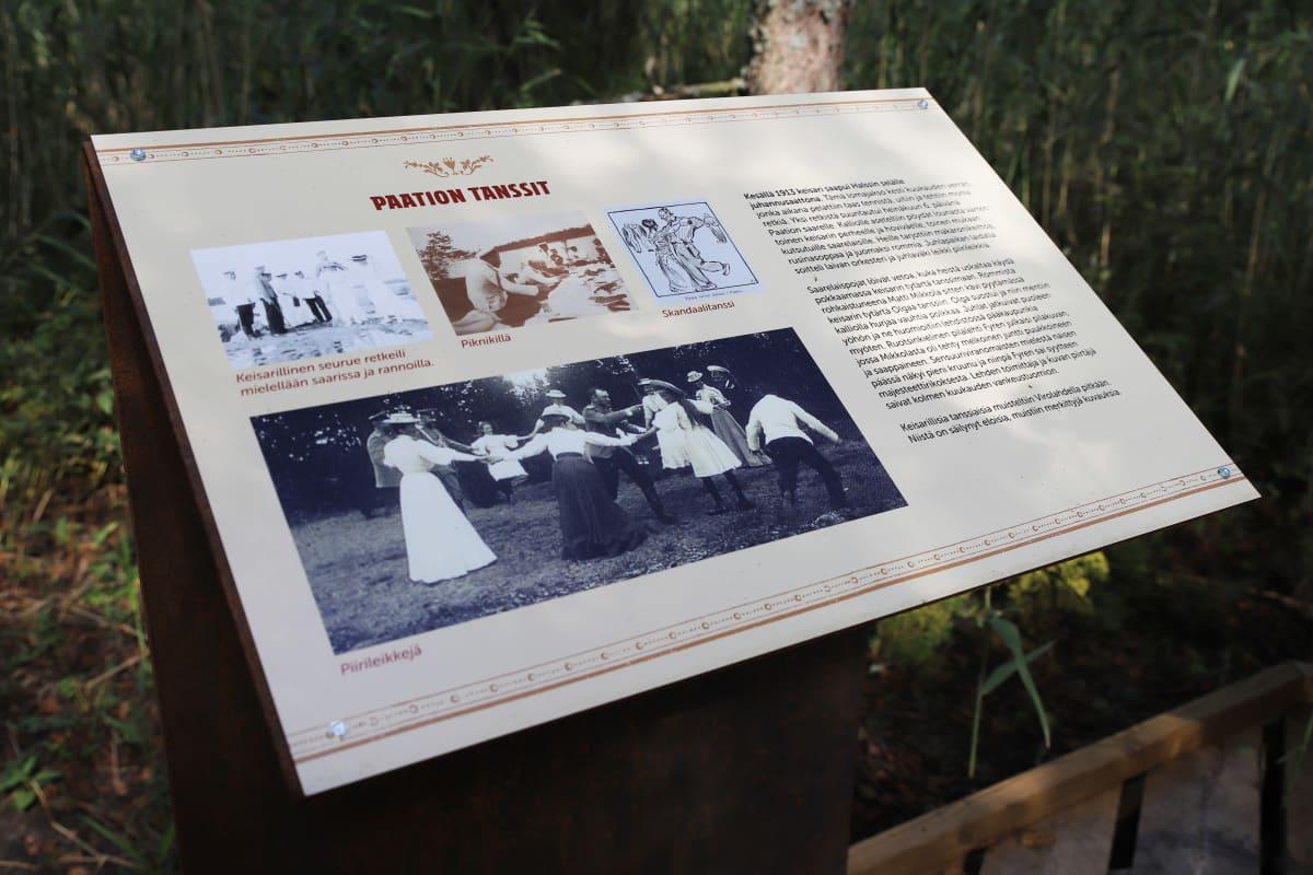 Keisarin huvipuiston alueen infotaulu Virolahden Tillissä.
