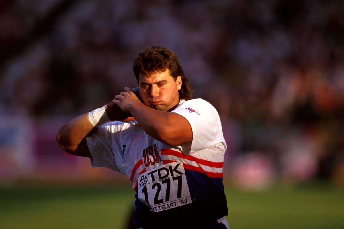 Kuulantyönnön maailmanennätys on pysynyt Randy Barnesin hallussa jo 30 vuotta.