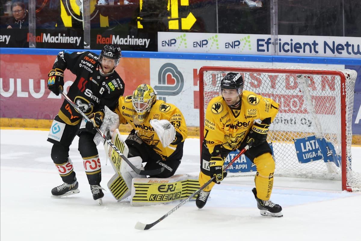 Niclas Westerholm i målet mot Kärpät.