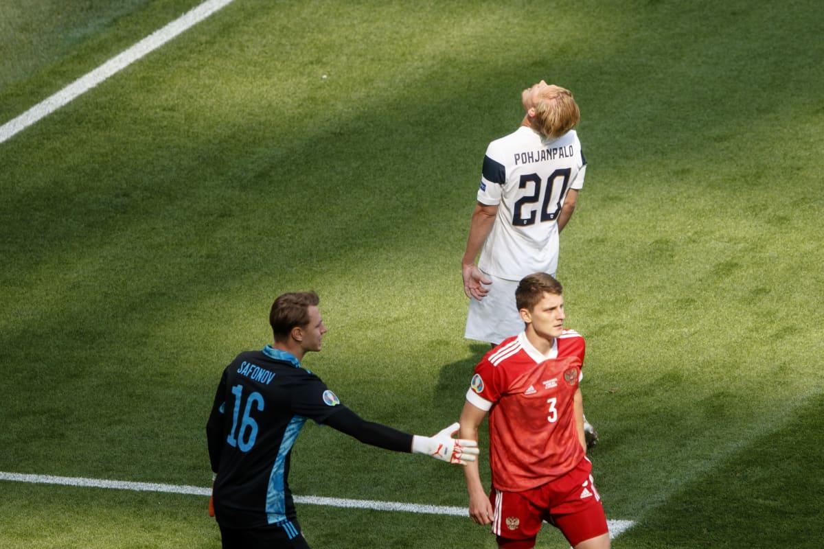 Joel Pohjanpalo joutui pettymään Venäjää vastaan, kun Igor Divejev peitti laukauksen huippupaikassa.