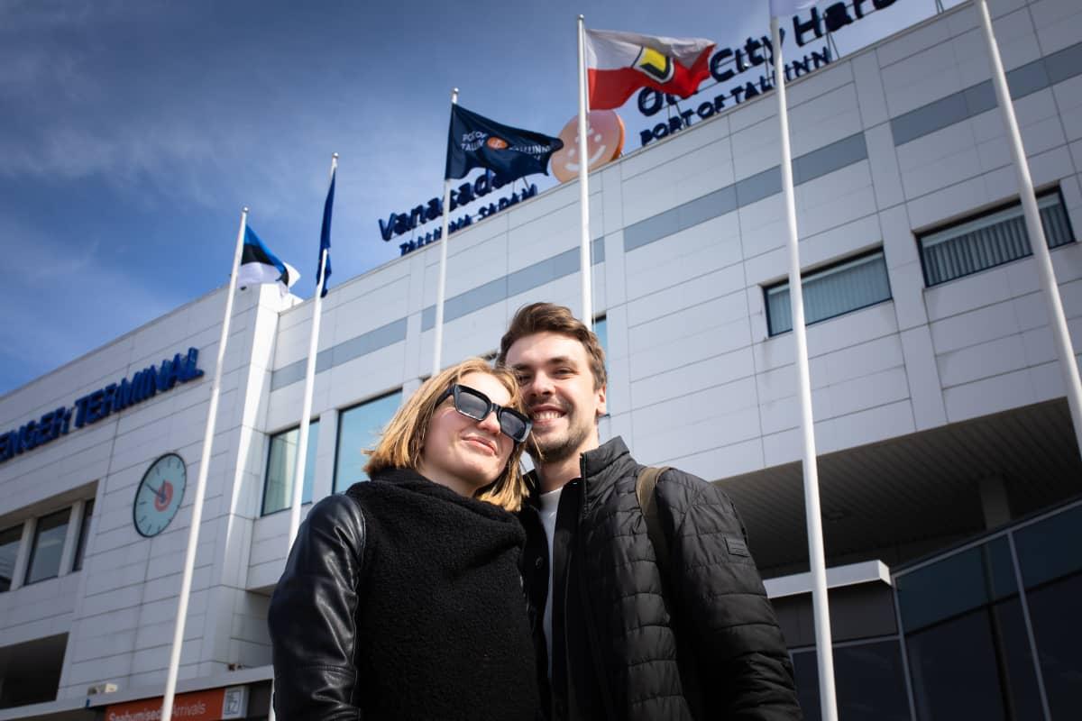 Viktoria Andreva ja Stanislav Kuzin tapasivat toisensa Tallinnan satamassa ensimmäistä kertaa kahden kuukauden tauon jälkeen.