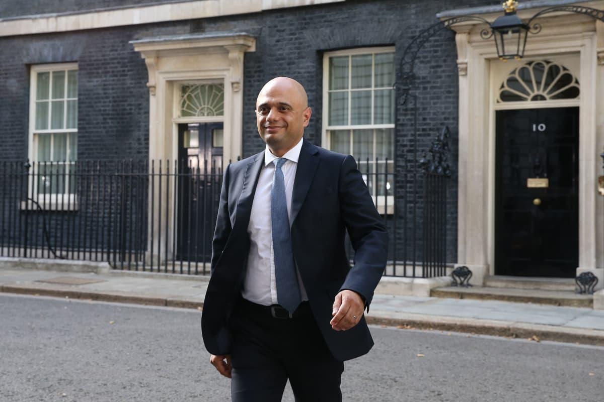 Brexitin ja Boris Johnsonin tukijaksi kääntynyt Sajid Javid on Britannian uusi valtiovarainministeri.