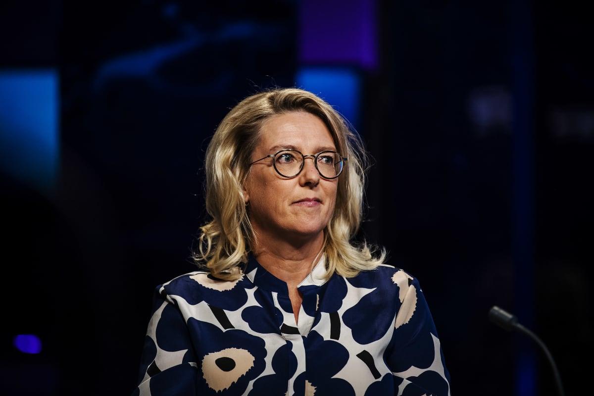 Emilia Kullas A-studiossa kesäkuussa 2020.
