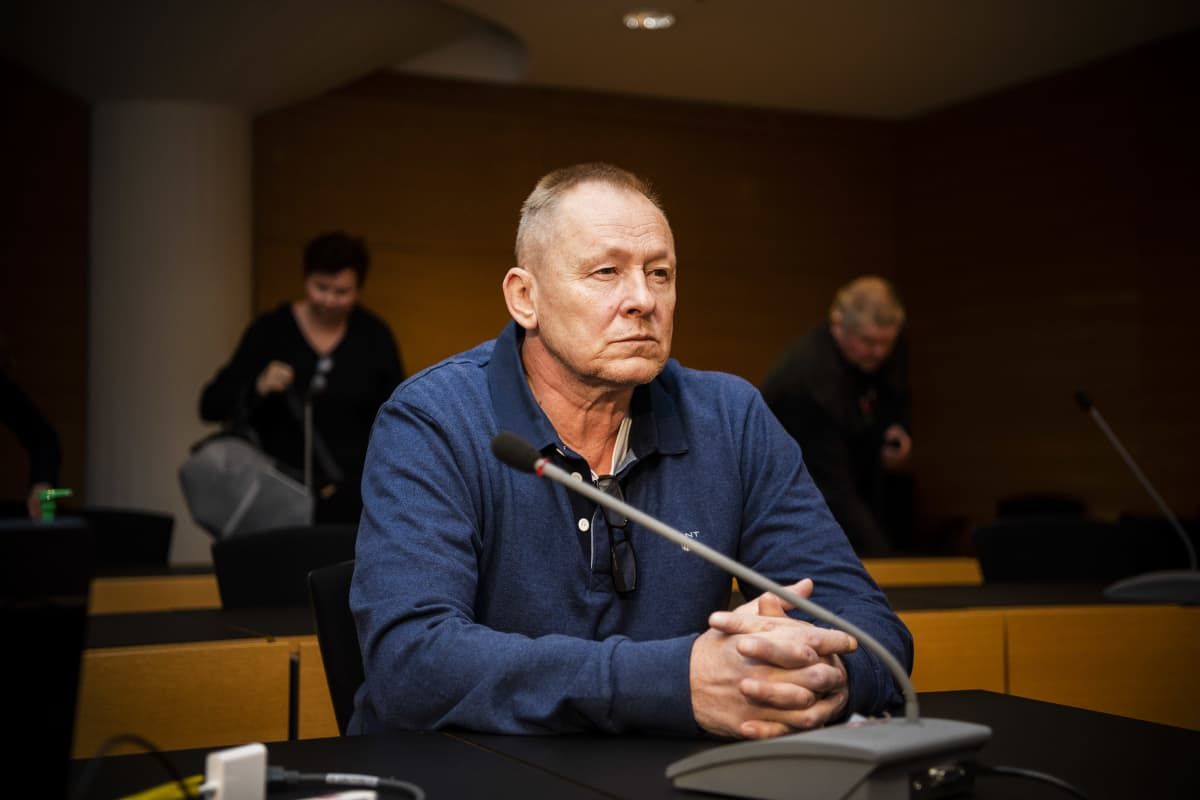 Kuvassa on Keijo Vilhunen Helsingin käräjäoikeudessa syyskuussa 2020.