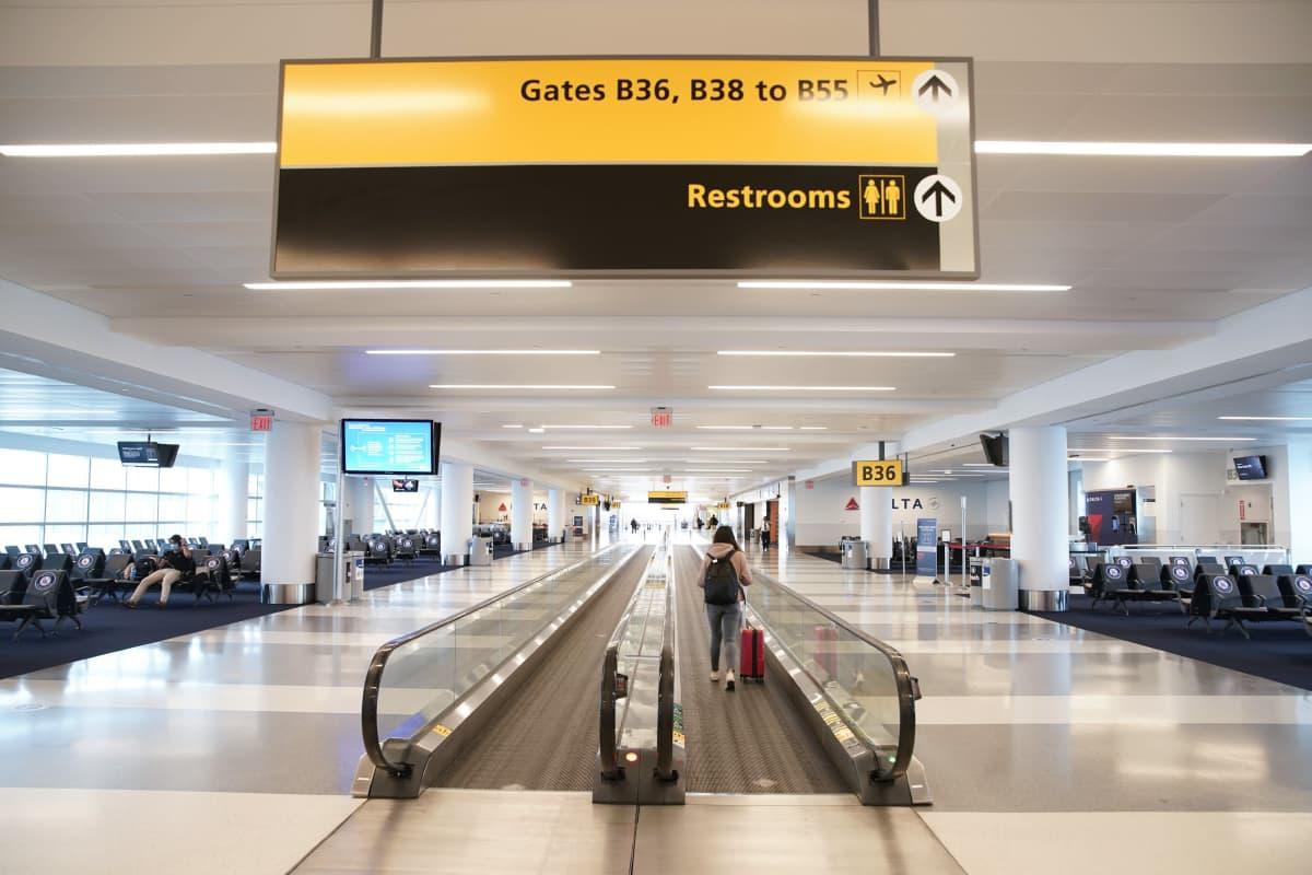 JFK:n lentoaseman terminaalinssa New Yorkissa oli hiljaista viime vuoden elokuussa.