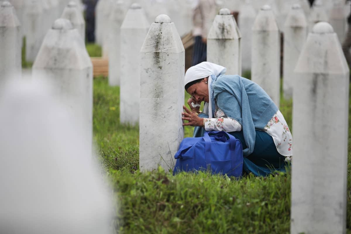 Potočarin hautausmaalle on haudattu Srebrenican joukkomurhassa kuolleita. Kuva vuodelta 2018.