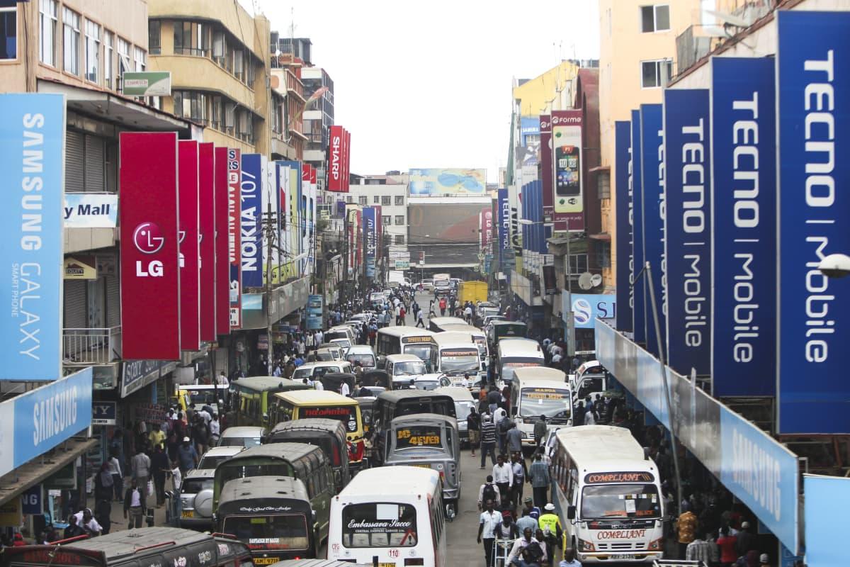 Mainoksia Nairobin kaduilla.