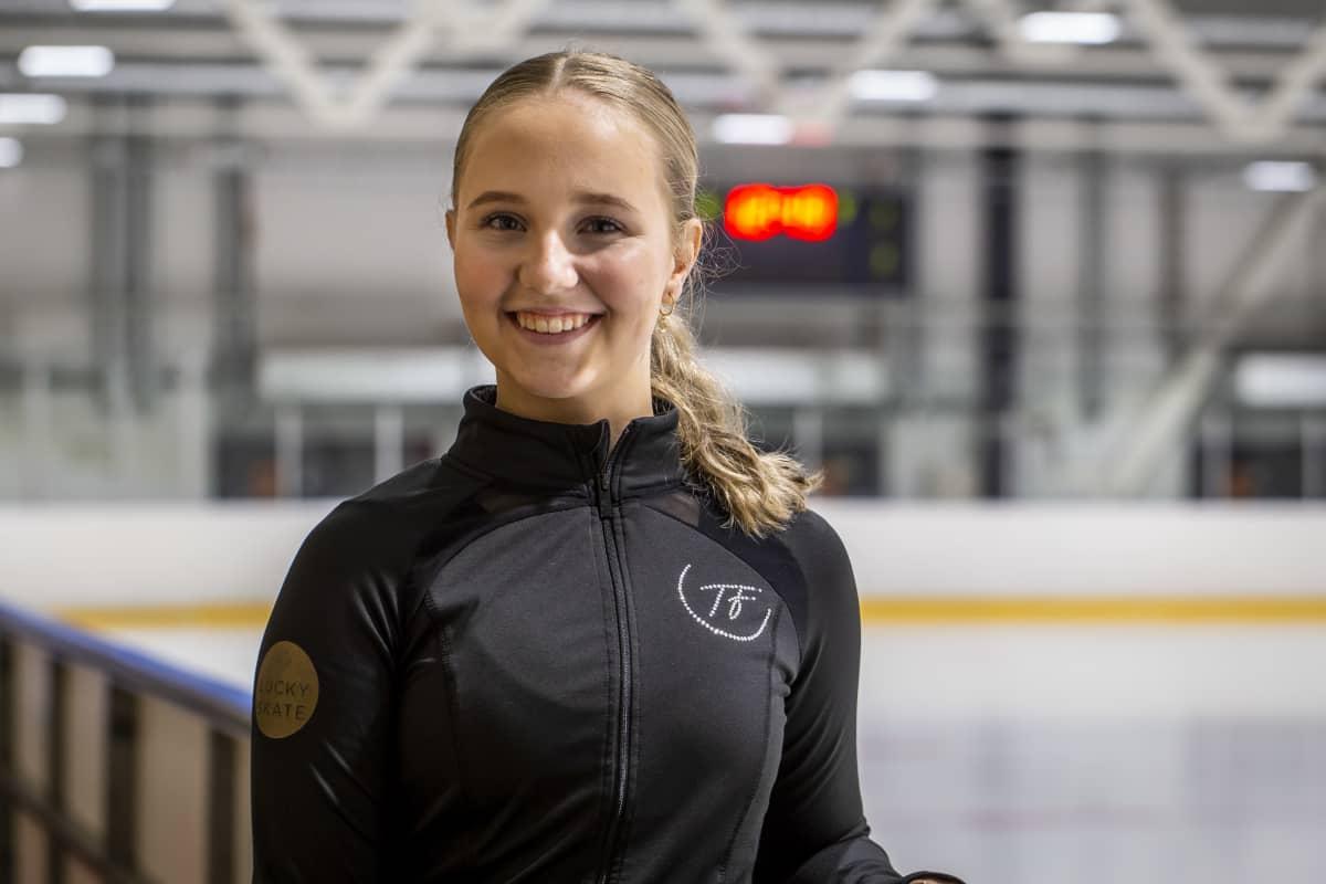 Lotta Karvonen, muodostelmaluistelija, Helsingin Taitoluisteluklubi