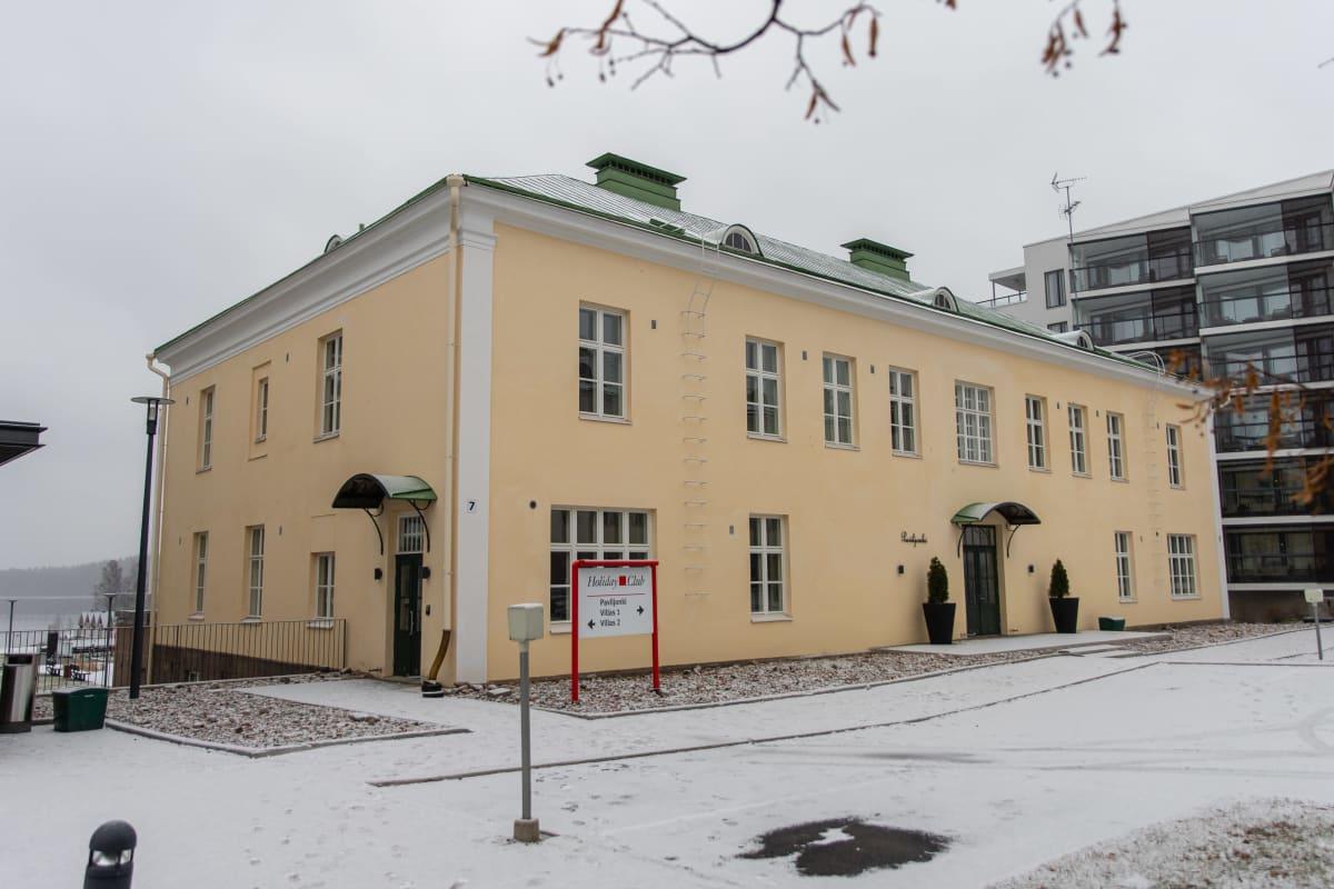 Holiday Club Saimaan Paviljonki rakennus. Rauhan sairaalan aikana rakennus tunnettiin nimeltä osasto 5.