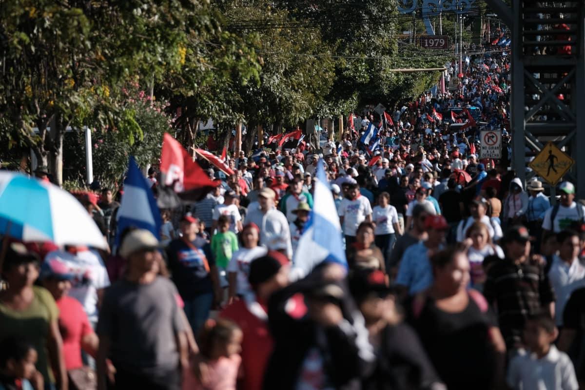 """""""Rakkauden marssi"""" Managuassa 14. maaliskuuta."""