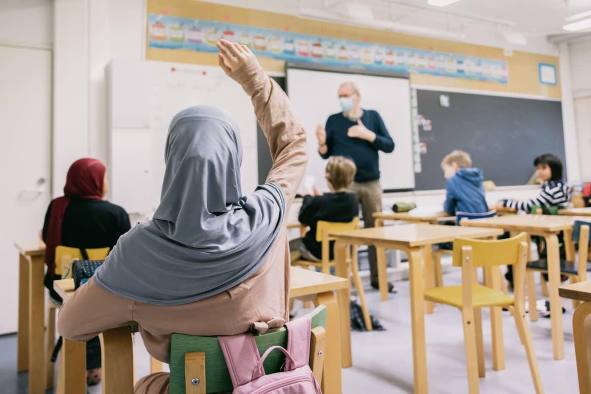 Lähiopetusta luokkahuoneessa.
