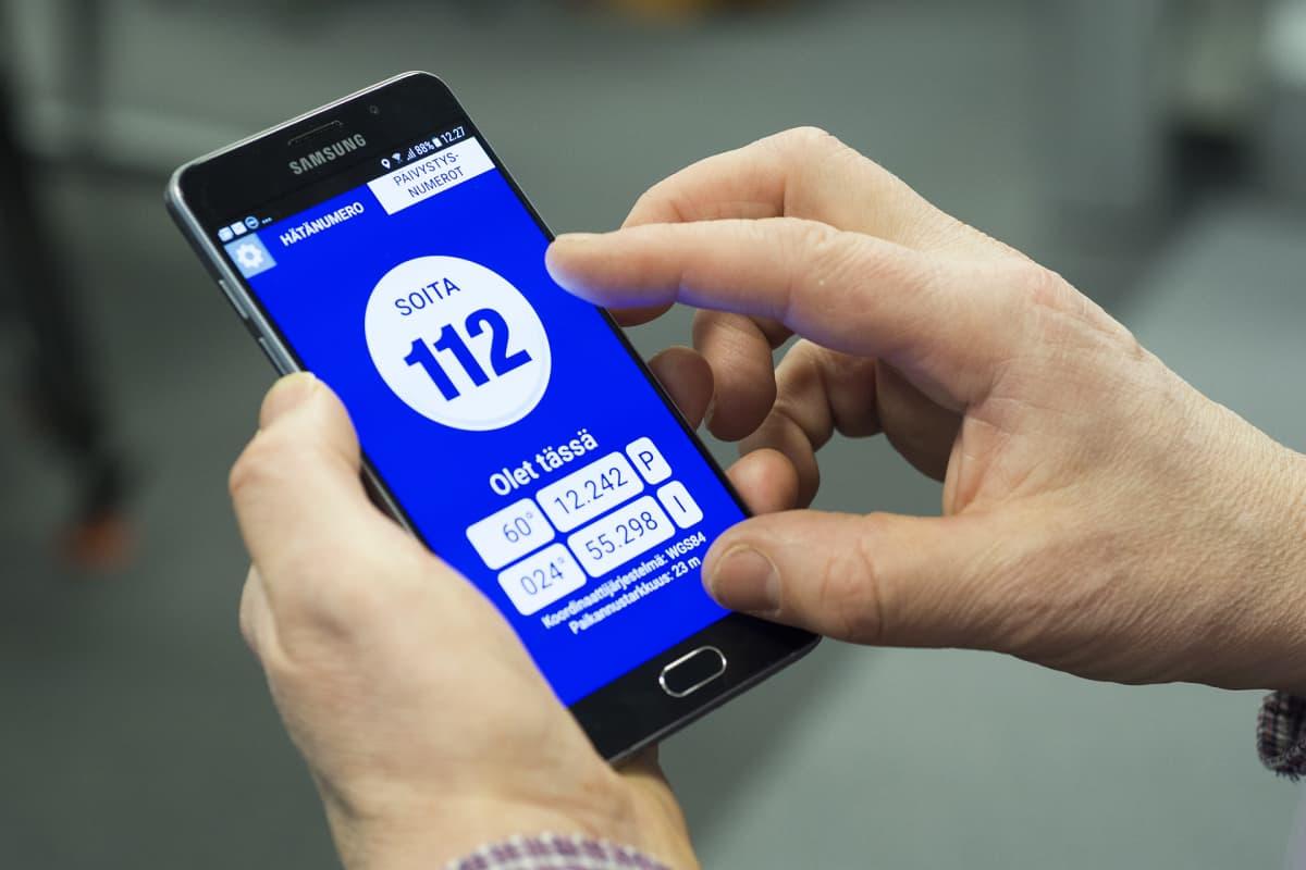 112 sovellus älypuhelimessa.