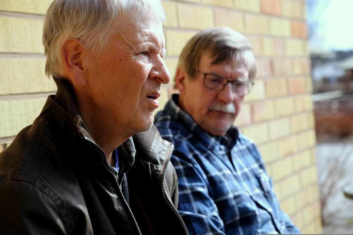 Myrskylässä asuvat Reijo Hyvärinen ja Matti Kuosa muistavat hyvin koulupojan nimeltä Pekka Streng.