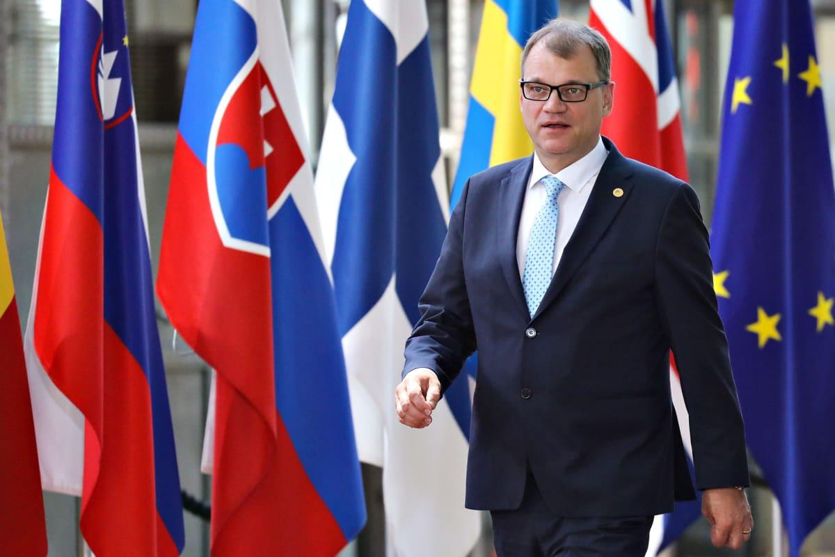 Juha Sipilä ja lippuja