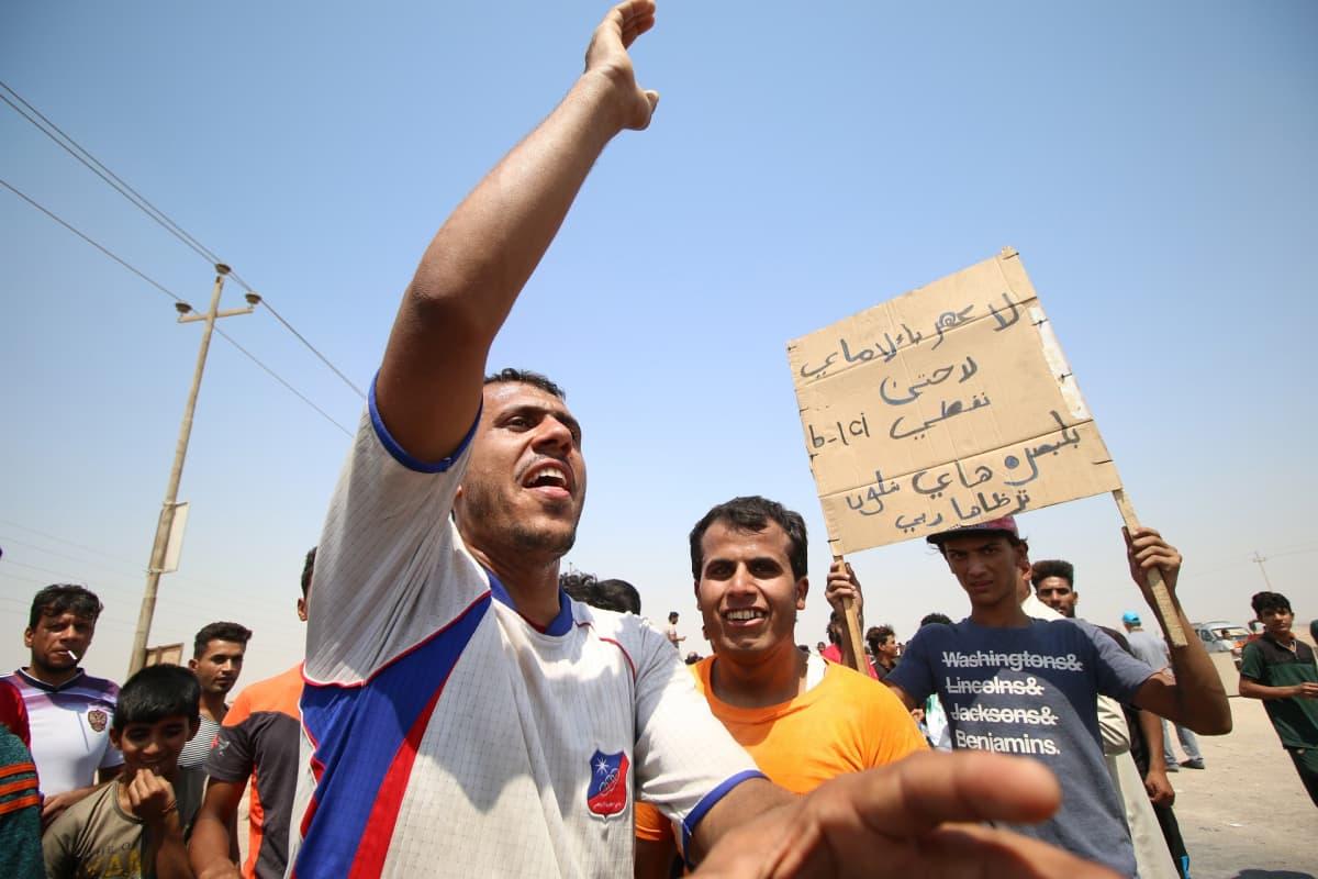 Mielenosoituksia Irakissa