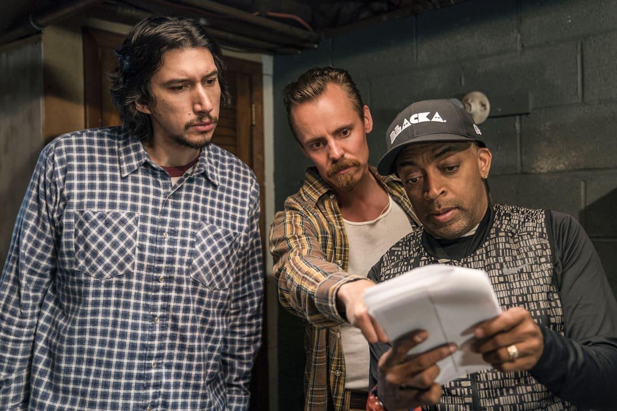 ohjaaja ja kaksi näyttelijää