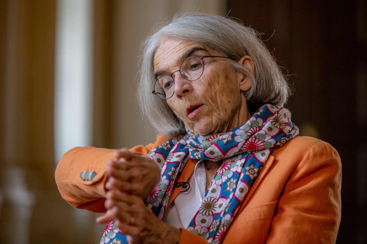 kirjailija Donna Leon