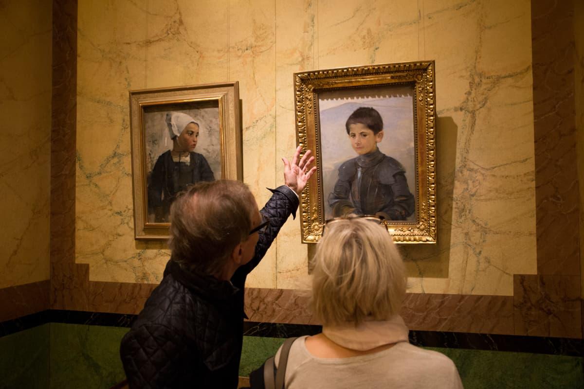 Helene Schjerfbeckin maalauksia.