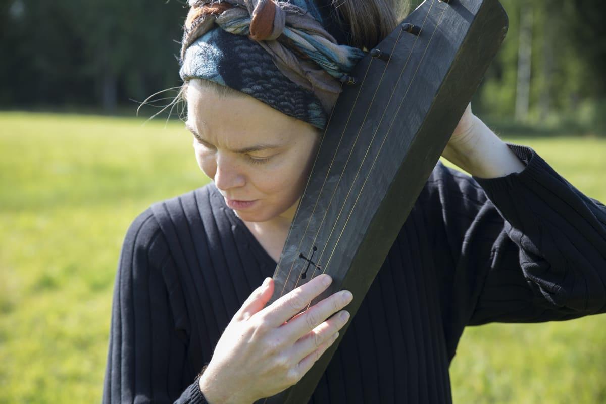 Weeping, kantele, Johanna Tarkkanen