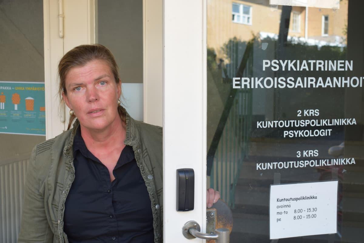 Riikka Suomi, sairaanhoitaja