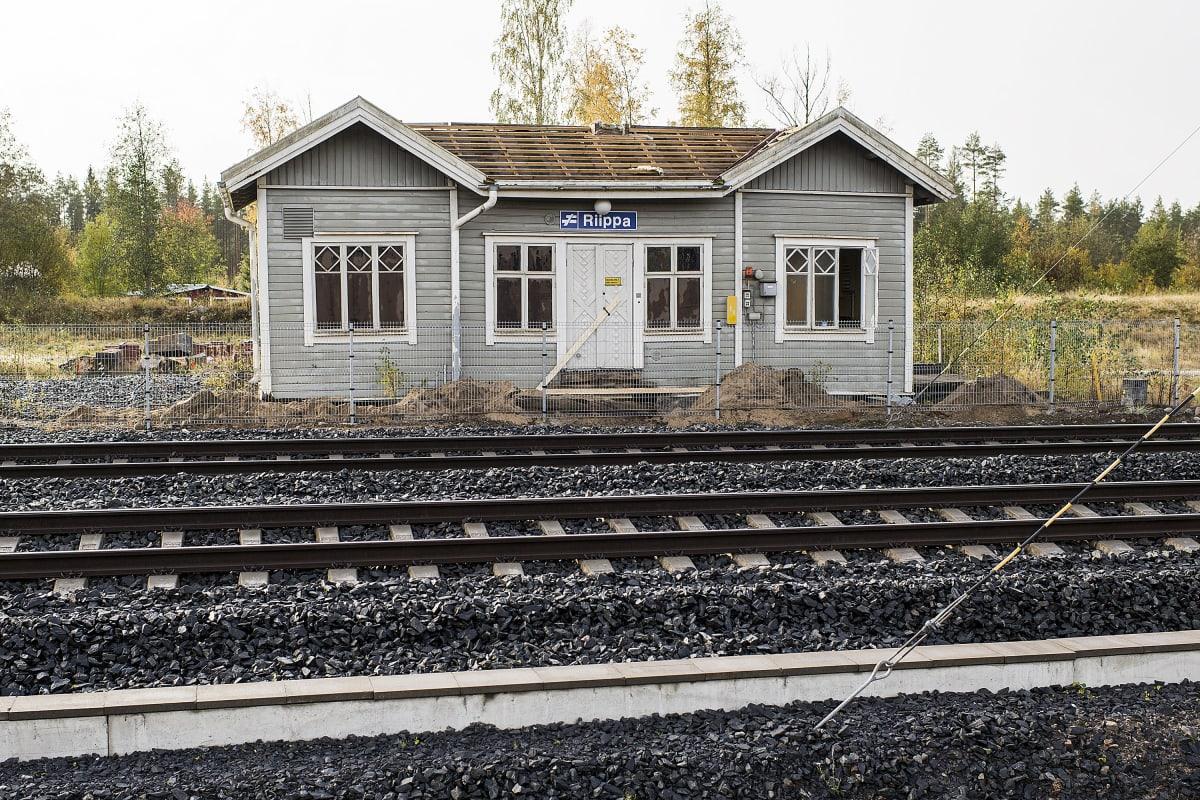 Riipan asemarakennus Kälviällä.