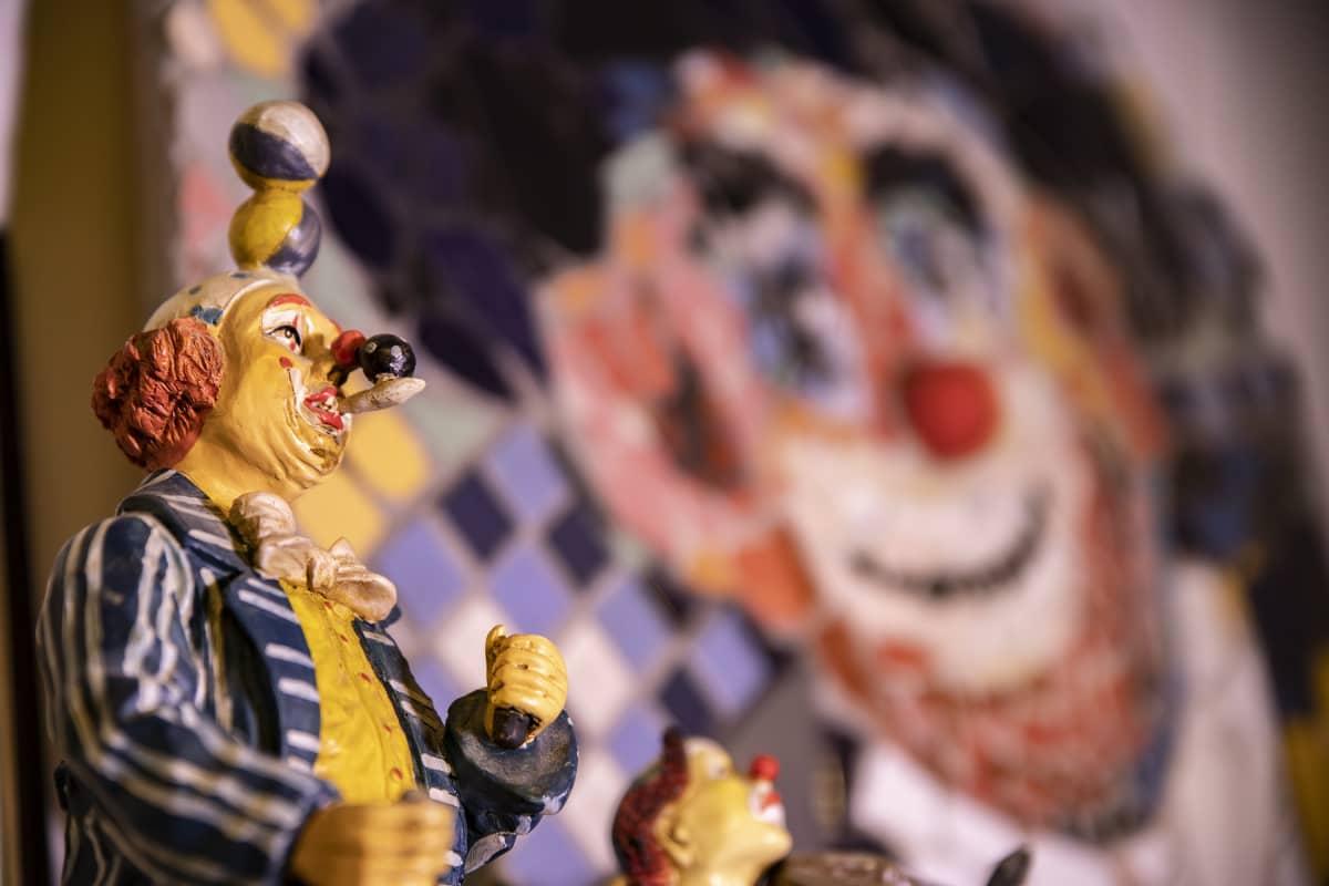 Sirkus-aiheinen lelu