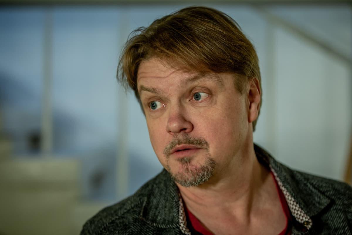 Joulukalenteri: Maukan ja Väykän ensimmäinen joulu, kirjailija Timo Parvela