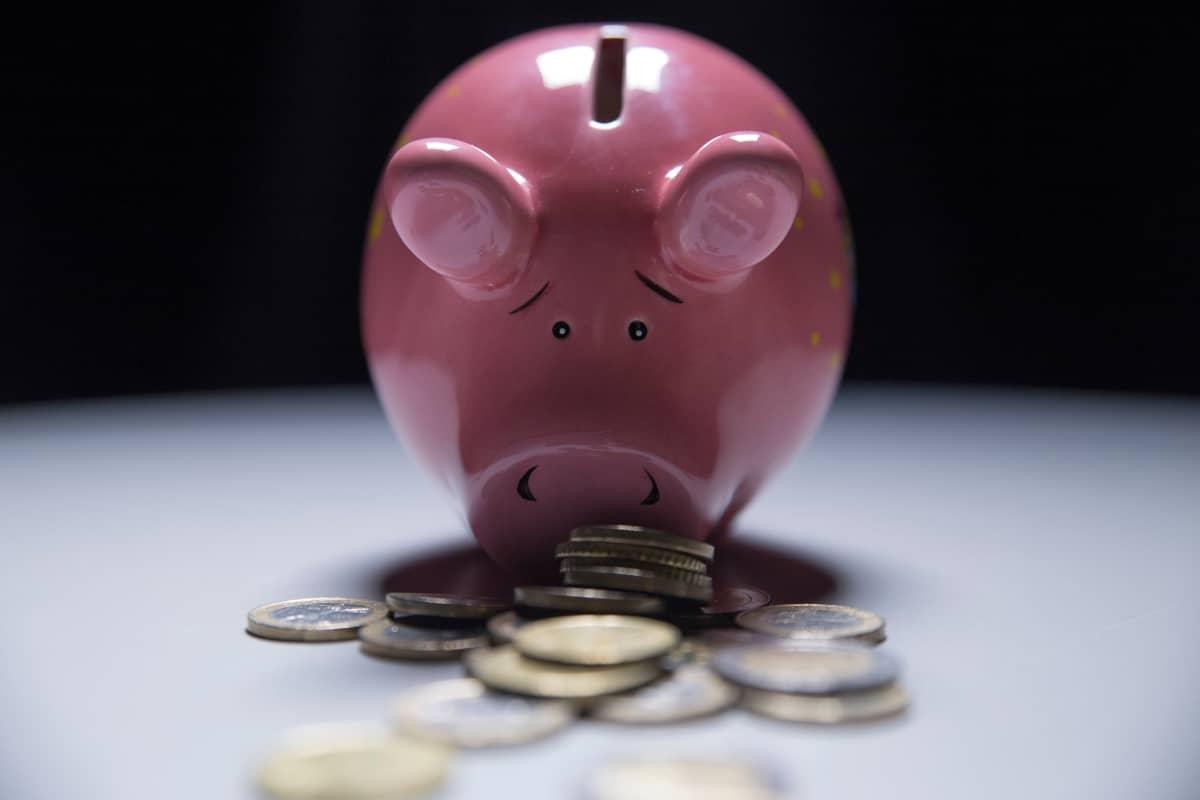Pinkki säästöpossu