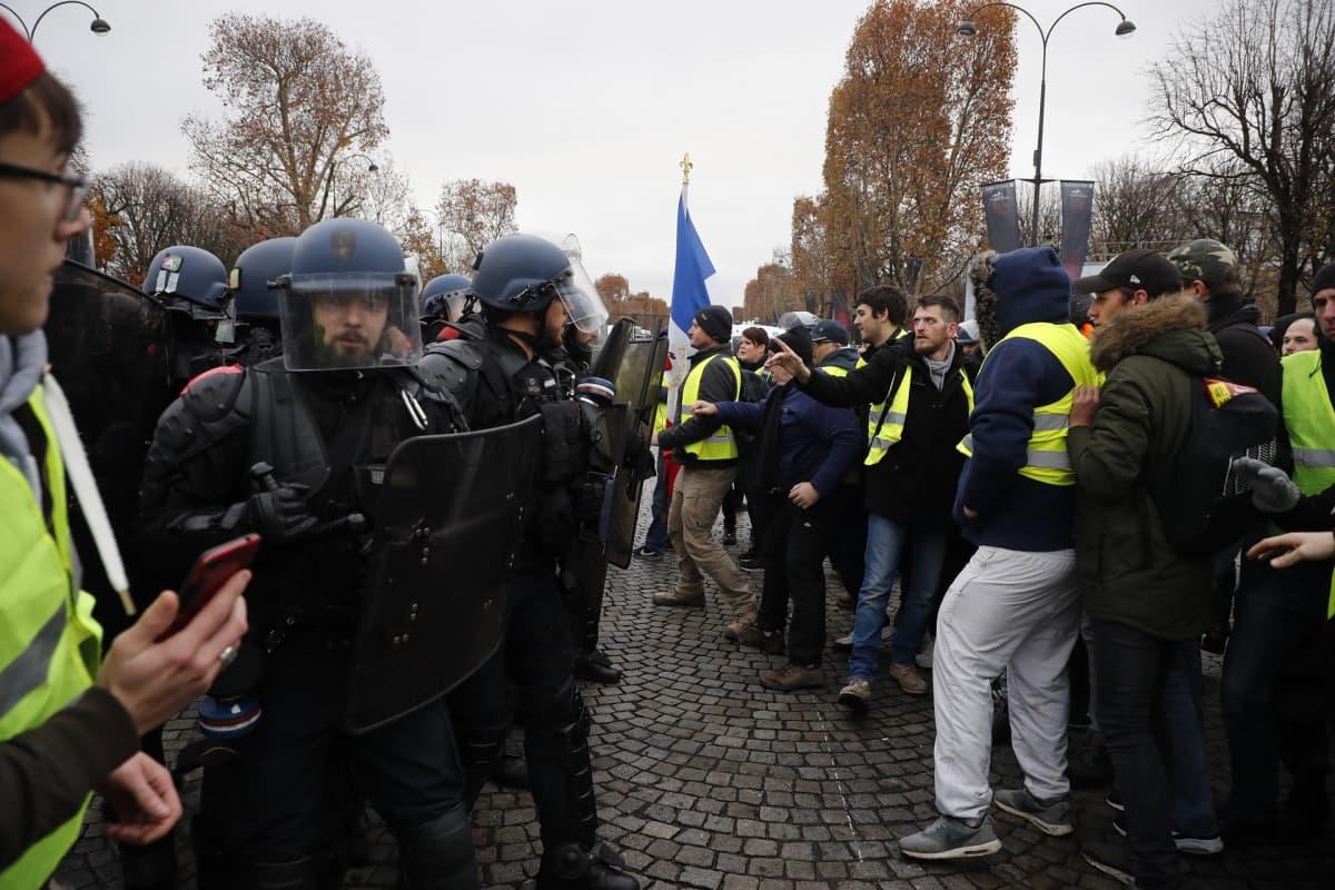 Mielenosoitus Pariisissa