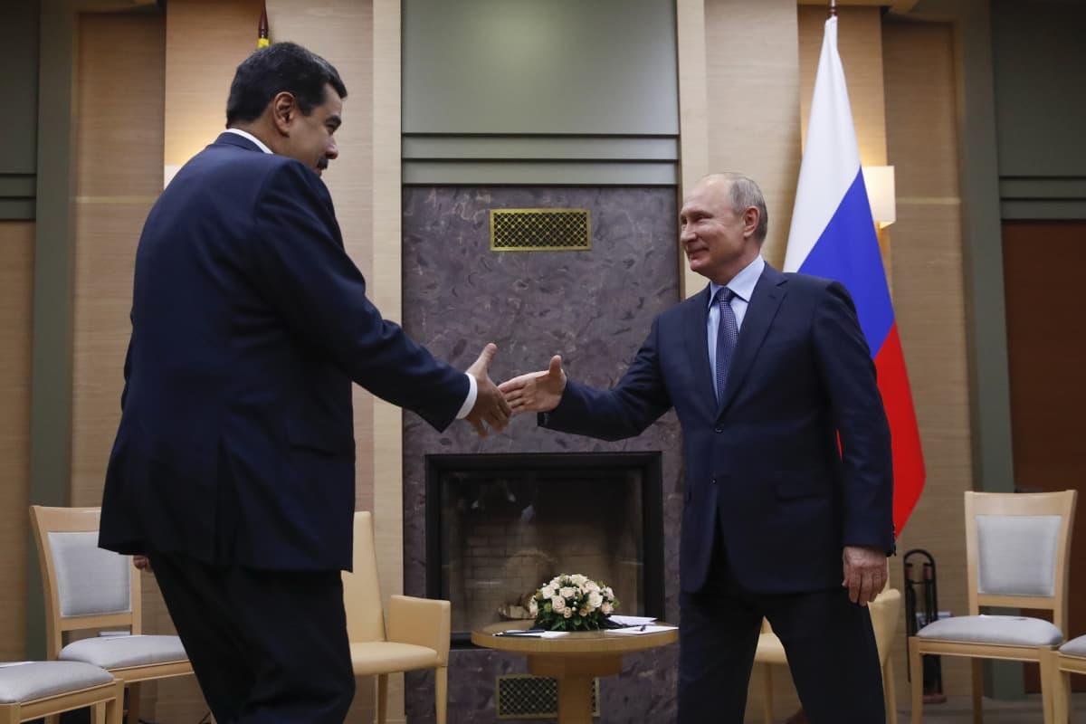 Venezuelan presidentti Nicolas Maduro ja Venäjän presidentti Vladimir Putin.