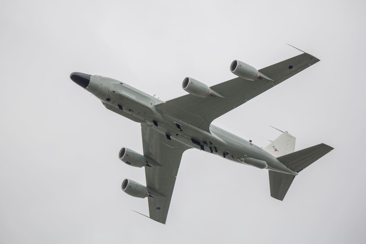 Tiedustelukone RC-135.