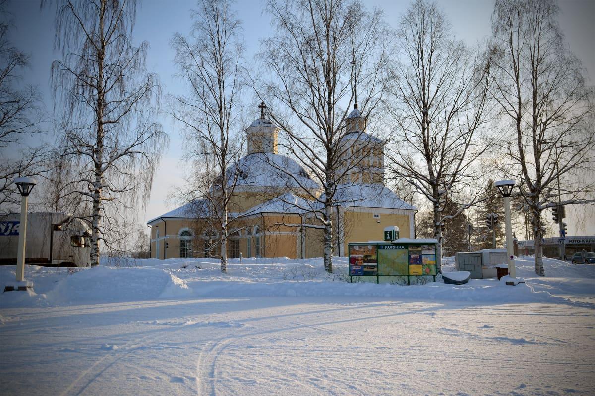 Kirkko Kurikan keskustassa.