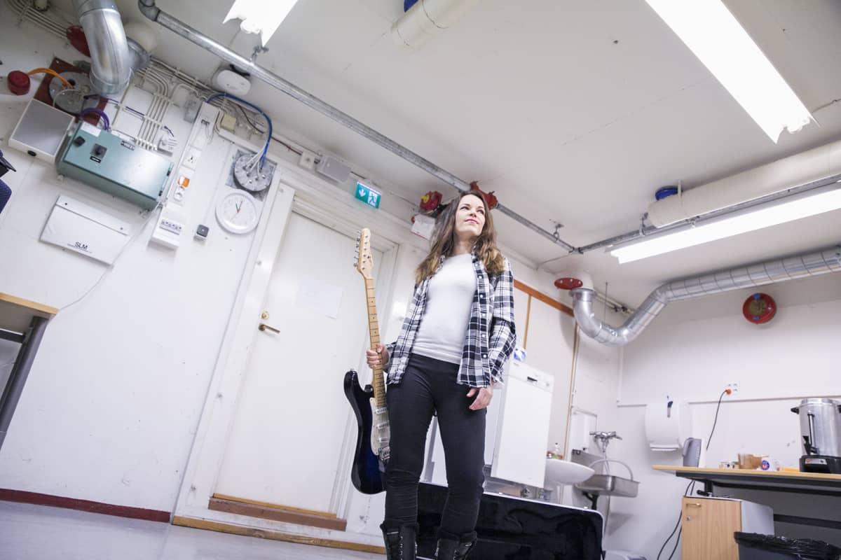 Kitaristi Erja Lyytinen