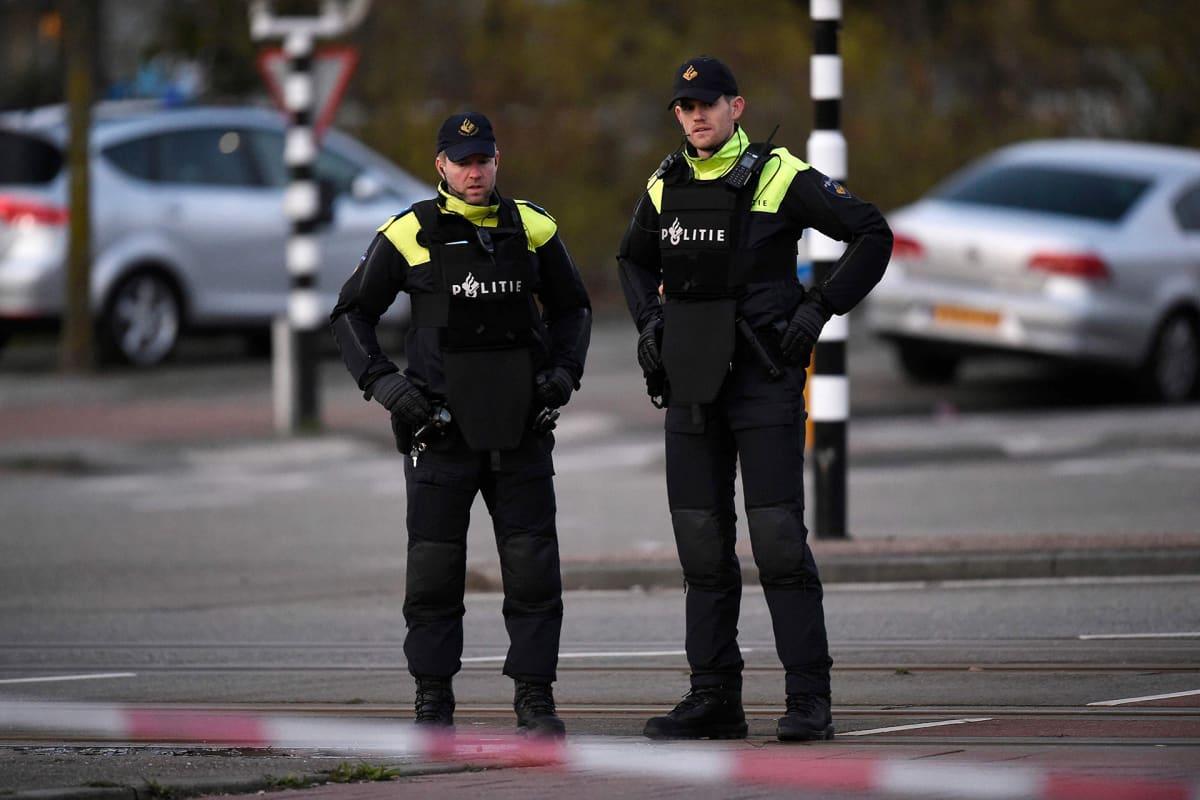 Poliiseja vartiossa