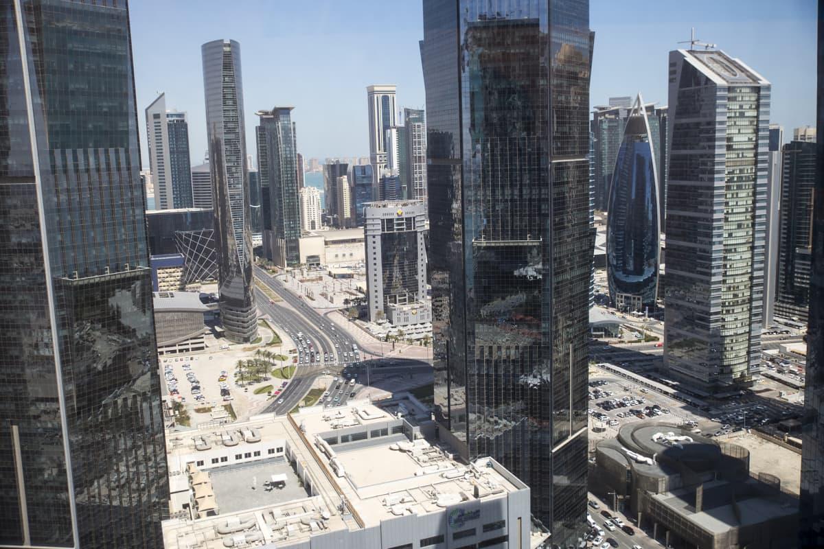 Dohan toimistokeskusta on varsin futuristinen.