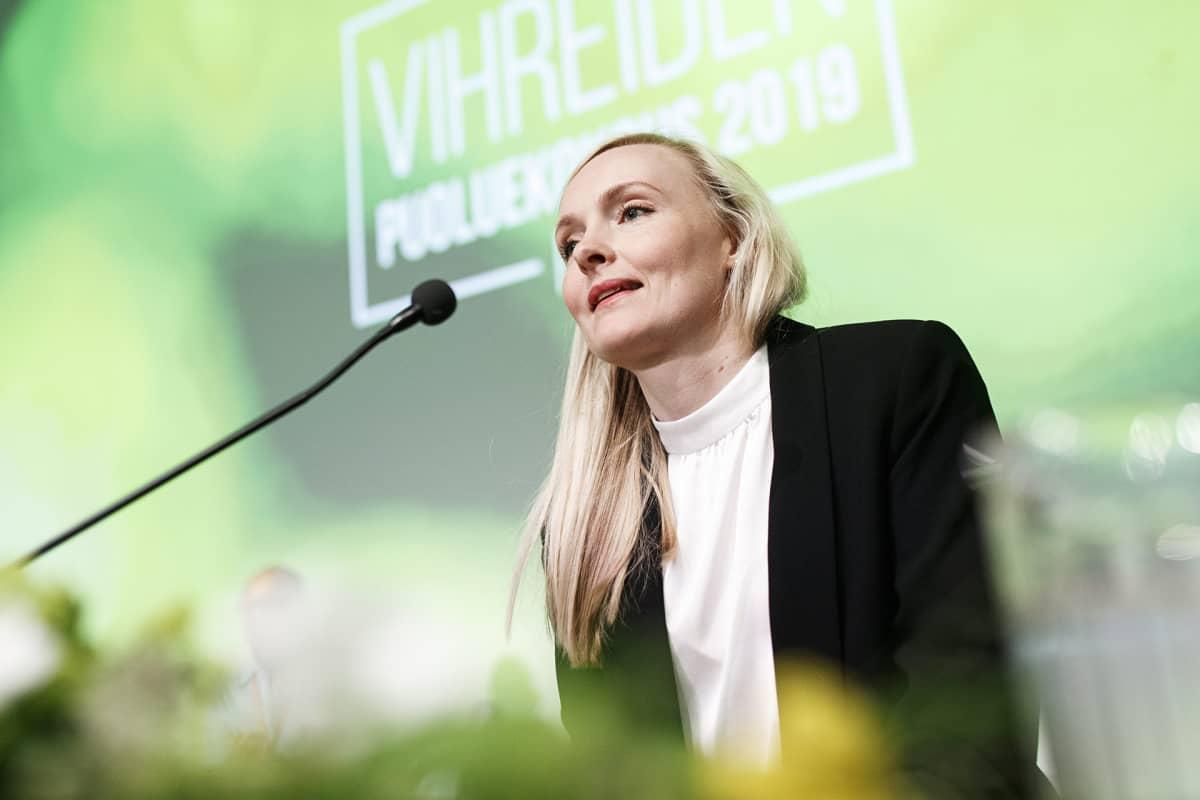 Vihreiden puheenjohtajaksi valittu Maria Ohisalo vihreiden puoluekokouksessa Porissa 15. kesäkuuta