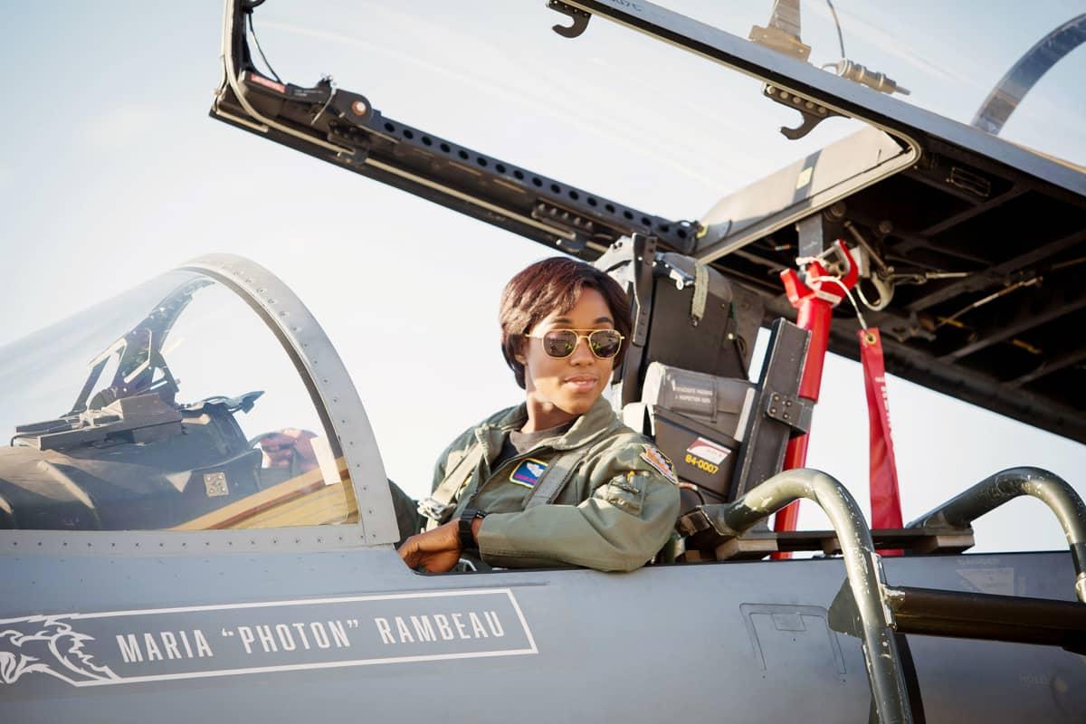 Lashana Lynch näyttelee Captain Marvel -elokuvassa.